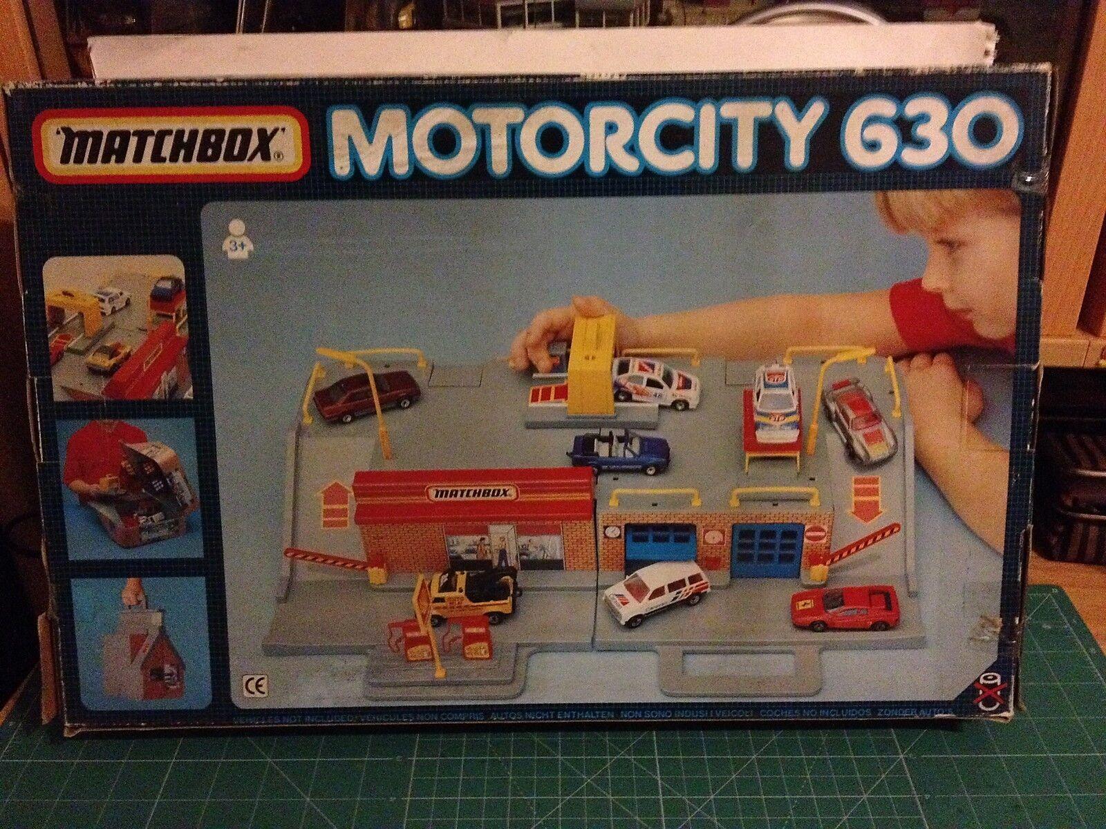 MATCHBOX MOTORCITY 630 FOLD & GO GARAGE  VER FOTO