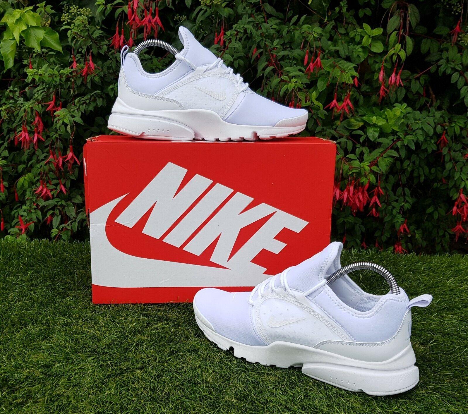 BNWB & Genuine Nike ® Presto Fly World in Triple Weiß Trainers UK Größe 7 EU 41