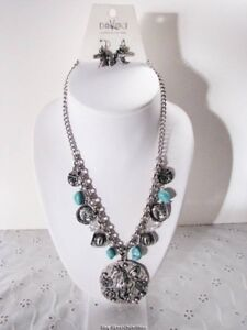 Silver-Cowgirl-Hat-Turquoise-Horseshoe-Horse-Pistol-Charm-Necklace-Earring-Set