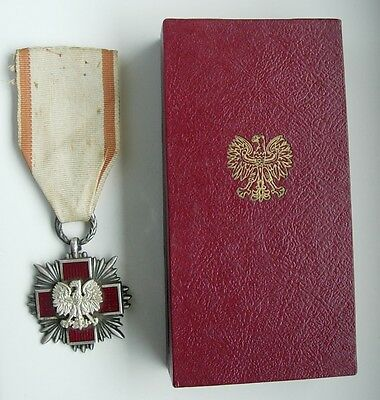 POLAND POLISH RED CROSS POLISH MEDAL PRL communist era type SILVER type BOX