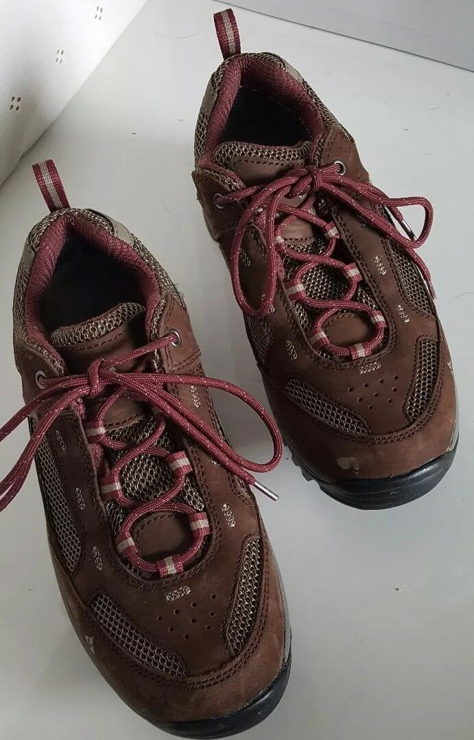 Vasque Vibram Women's Hiking shoes Low Size 7 Brown & Beige