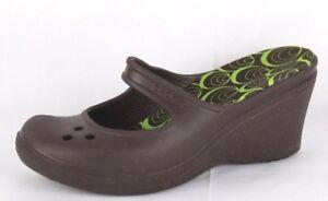 ff5162699 La imagen se está cargando Crocs -Mujer-Cuna-Alta-Sandalias-Mary-Jane-Zapatos-