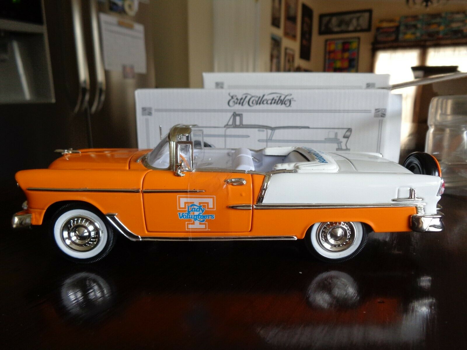 1955 CHEVY CONgreenIBLE UT UNIVERSITY TENNESSEE LADY VOLS LTD ED 1 25 ERTL