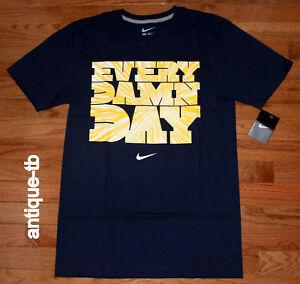 Détails sur Nike Every Damn Day T Shirt homme nouveau M L Bleu Marine Jaune 584562 419 T shirt coton 2012 afficher le titre d'origine