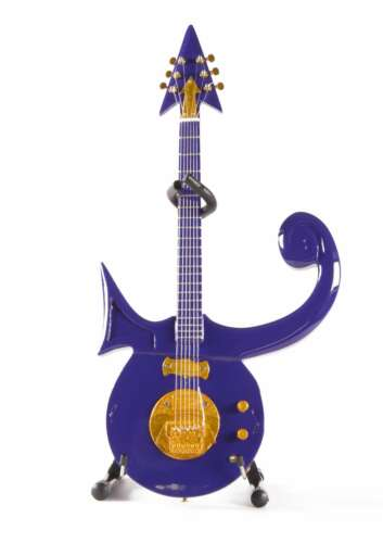 PR-285 Axe Heaven Purple Symbol 1//4 scale Miniature Collectible Guitar