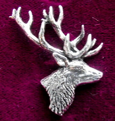 Superbe étain chasse chevreuil tête broche pin