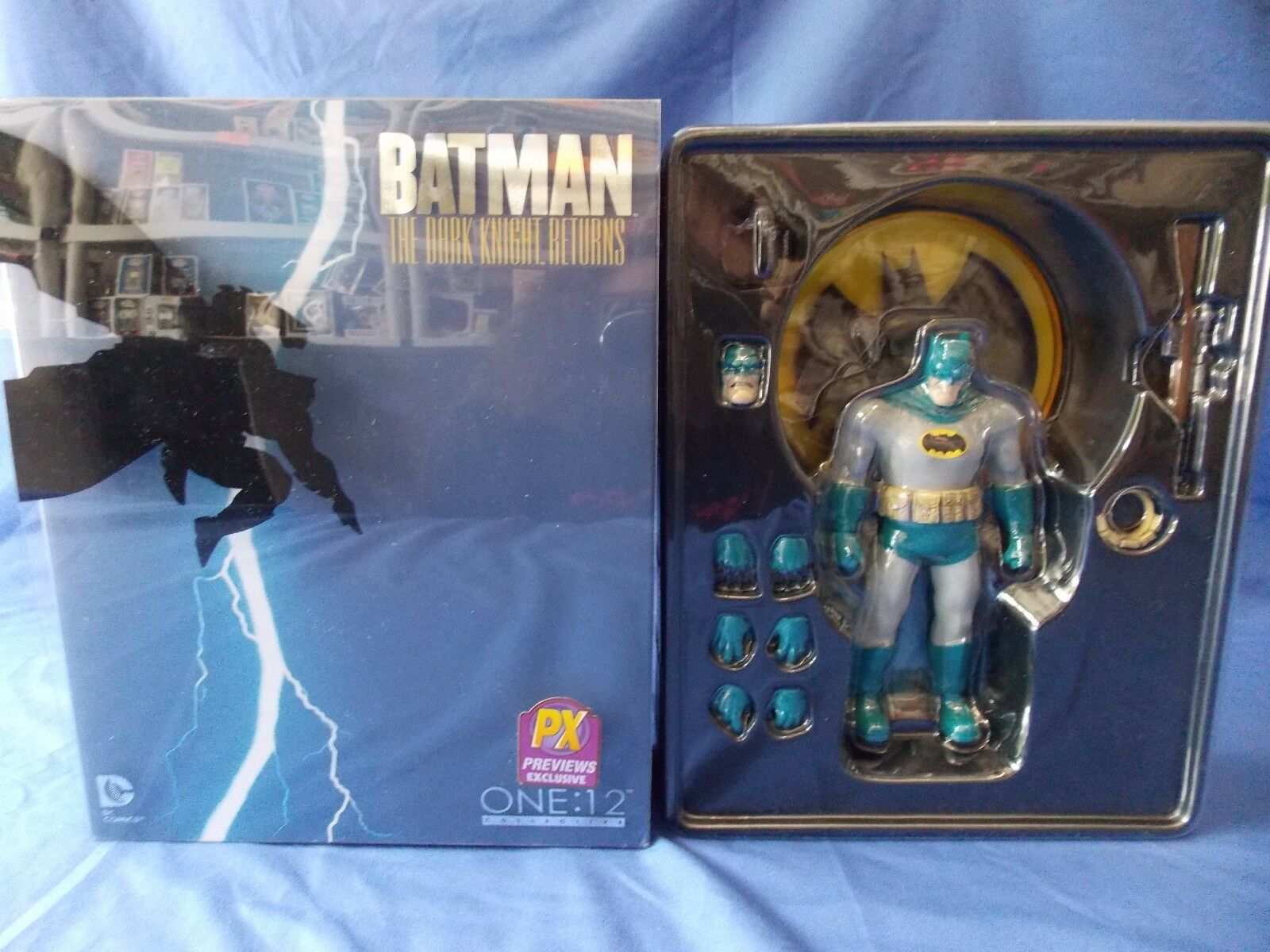 ONE:12 COLLECTION COLLECTION COLLECTION BATMAN THE DARK KNIGHT RETURNS 1:12 SCALE ACTION FIGURE PX 1a2a46