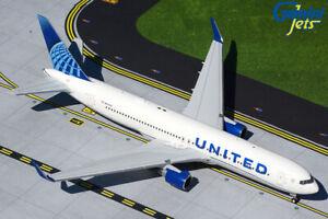 GEMINI (G2UAL893) UNITED AIRLINES (NC) 767-300ER 1:200 SCALE DIECAST METAL MODEL