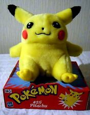 Hasbro 58054: Pokémon #25 Pikachu als Plüschtier, ca. 20cm groß,  N E U