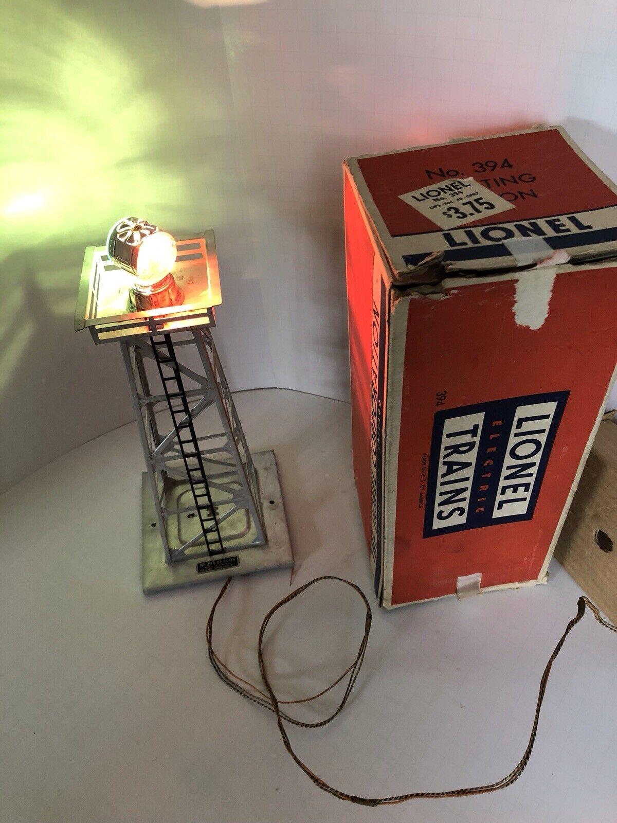Lionel Postwar  394 Aluminum rossoating Beacon in Original scatola