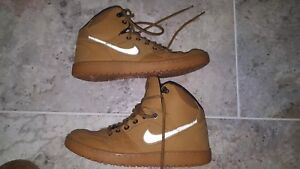 Nike Son Of Force Tan Brown Gomme Shoes Size US8 UK7 Pre Owned GOOD CONDITION