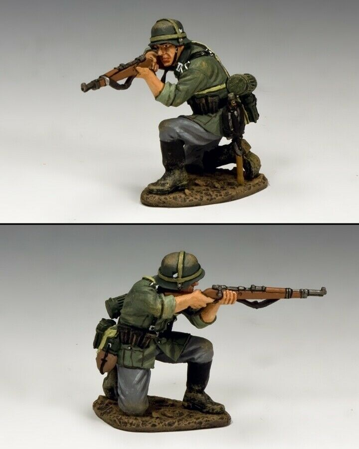 KING AND COUNTRY WW2 WW2 German - Kneeling firing Rifleman WH042 WH42