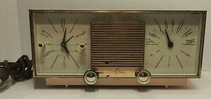Vintage-1960s-Zenith-Pink-Table-Clock-Radio-Mid-Century-Model-G516V