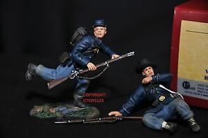 Britains 17897 Union Infantry In Sack Manteaux Routing Metal Toy Soldier Figure Set 783724178971
