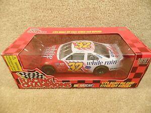 New 1997 Racing Champions 1:24 NASCAR Dale Jarrett White Rain Ford Thunderbird