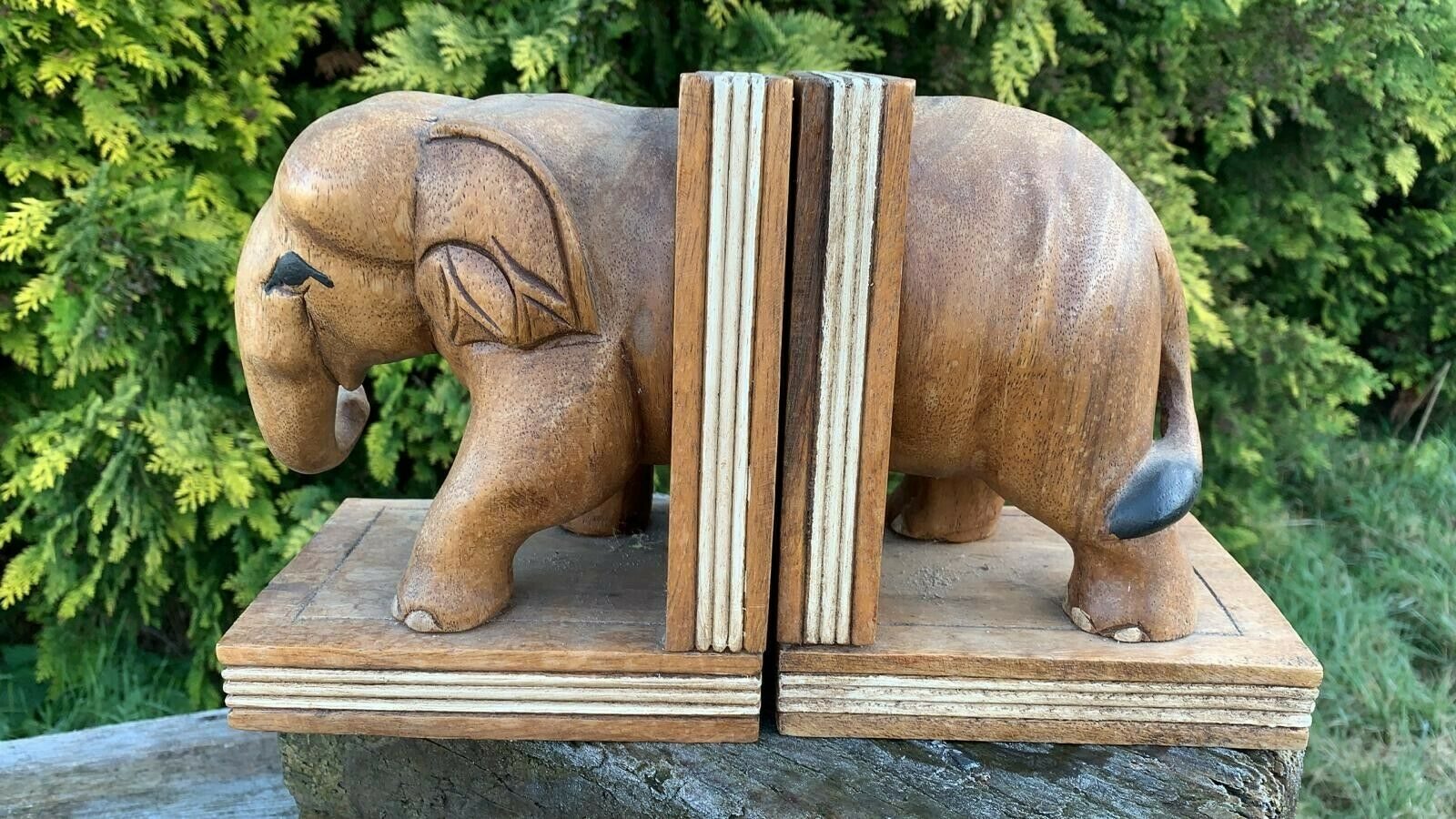 A Pair Of Fantastic Vintage Wooden Elephant Bookends