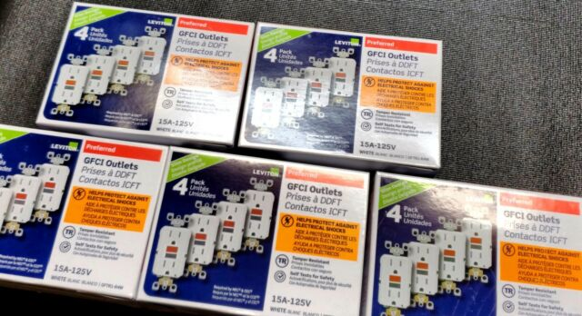 LOT OF 30 LEVITON GFTR1-3W 15A GFCI GFI TAMPER RESISTANT WHITE 3-PACKS  NEW 10