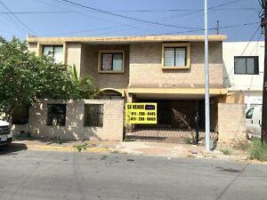 Venta Casa Remodelada de 7 Recamaras en Mitras Centro Monterrey N L
