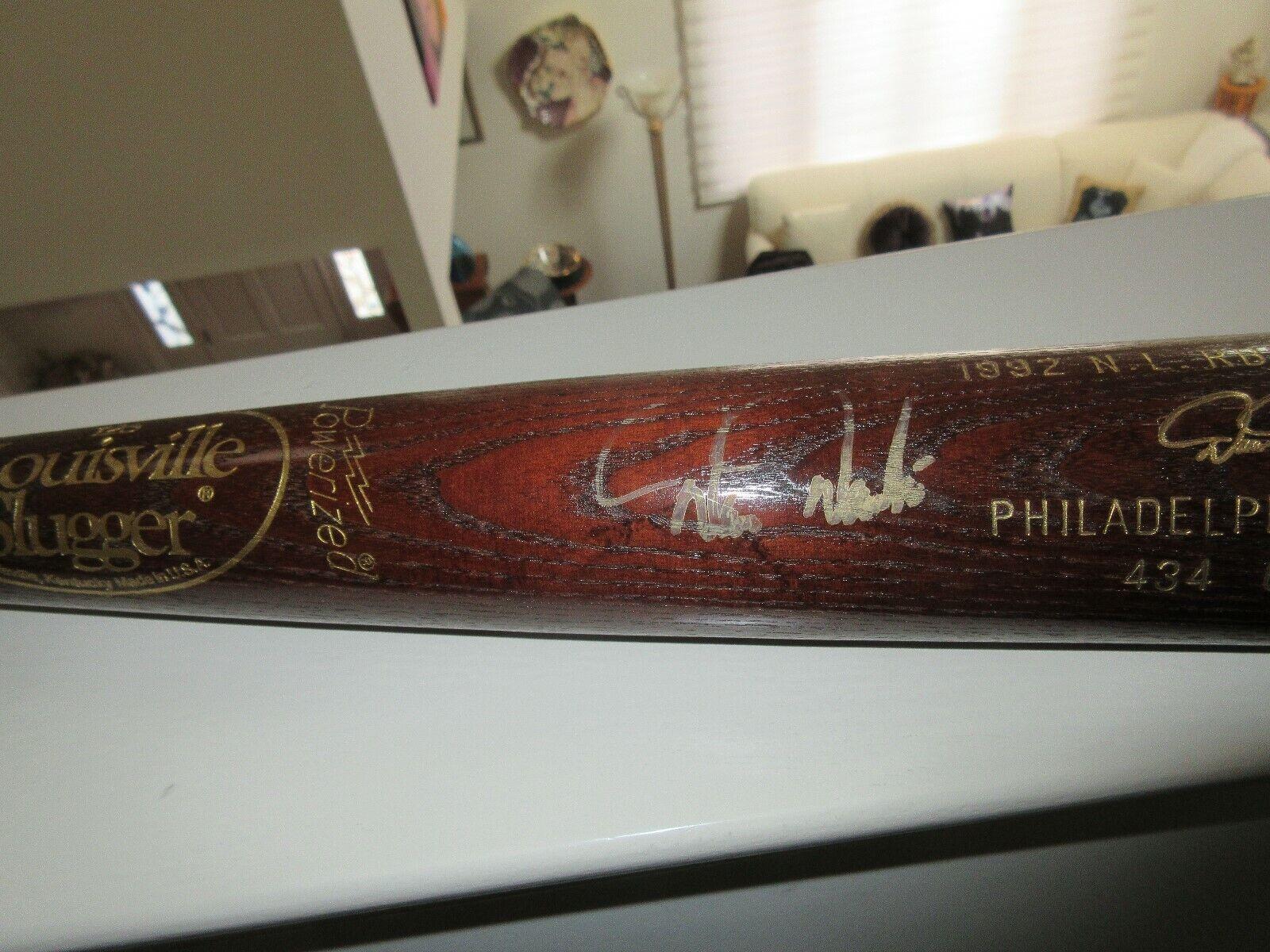 Philadelphia Phillies , Louisville Slugger Baseball Bat