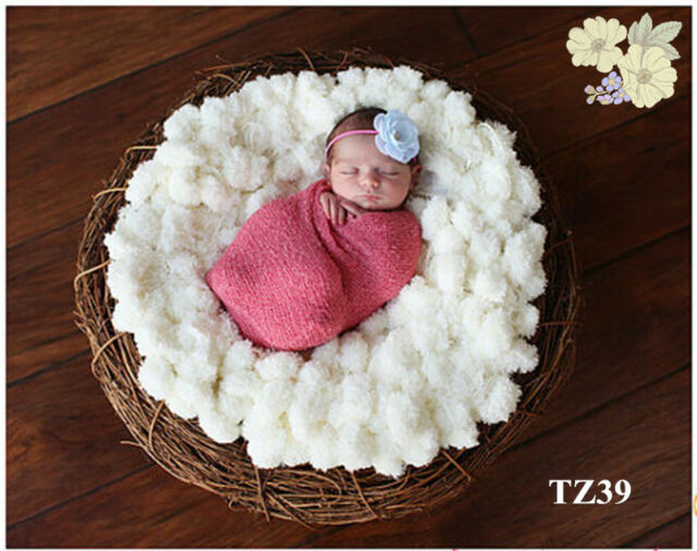 Newborn Baby kid Photography Prop Handmade Wool Knitting White Balls Blanket