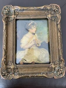 Antique Wooden Ornate Convex Bubble Glass Frame Picture Girl Opening 8x6