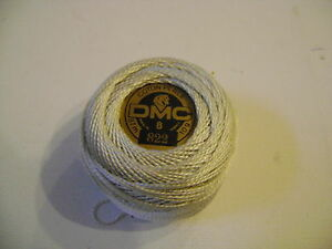 deux-boules-de-coton-perle-DMC-grosseur-N-8-coloris-822-article-116