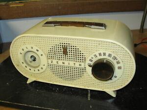 Vintage-MCM-1954-1955-Zenith-Tube-Radio-Model-R510-W
