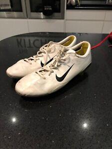 Nike Mercurial Vapor MV Football Boots