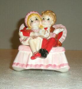 Vintage-NORCREST-VALENTINE-MUSIC-BOX-BOY-GIRL-ROCKER