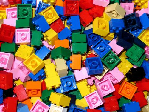 New LEGO Bricks  2x2 x 100 pcs Mixed Colours
