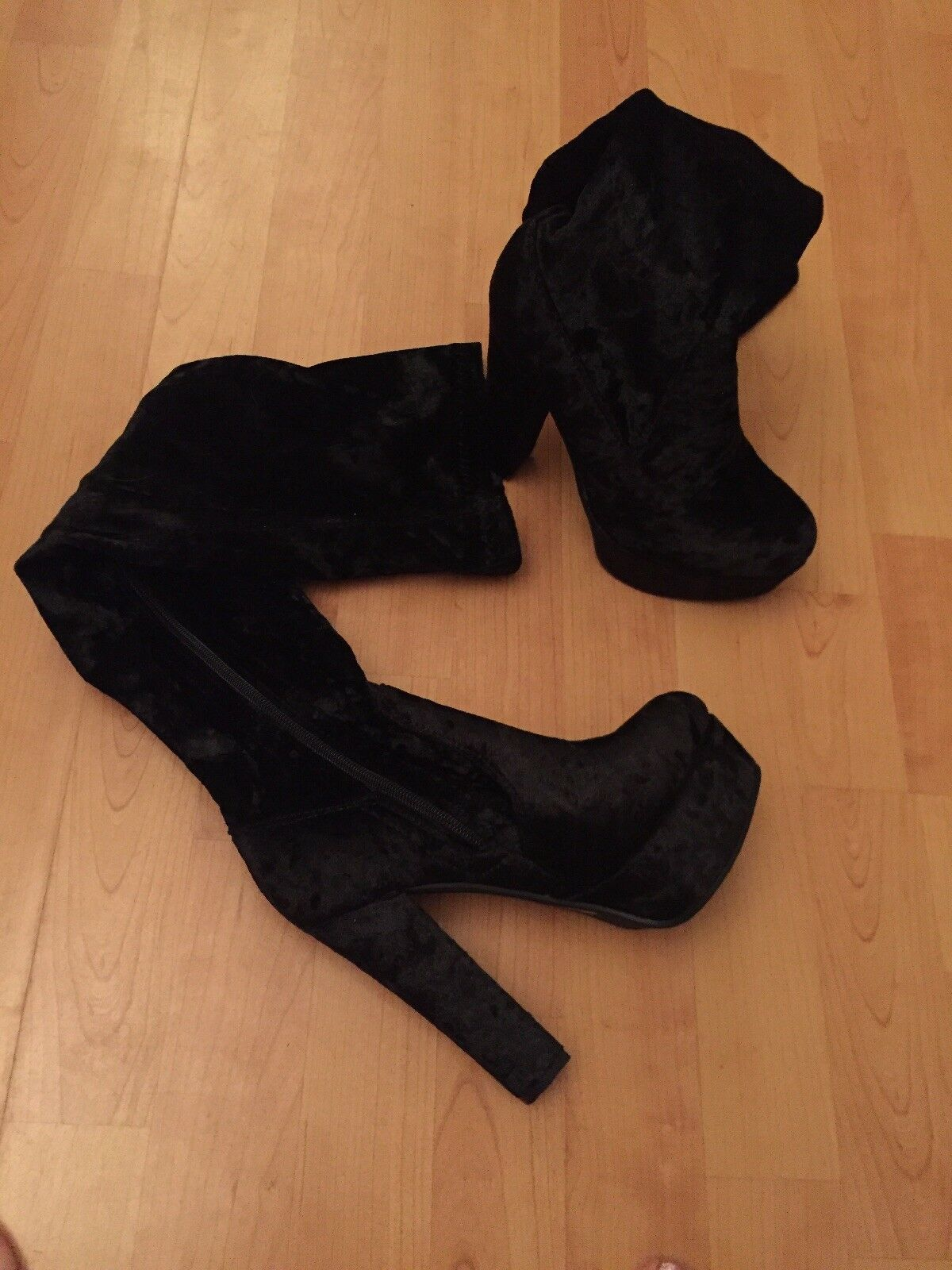 over the knee boots In Black Velvet Uk 5 Eu38 NEW IN BOX FREE POSTAGE