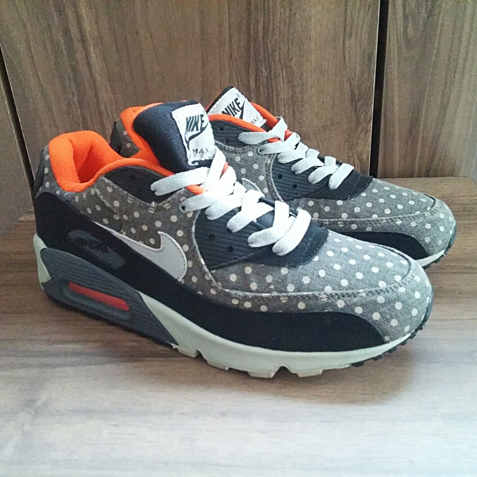 Used NIKE AIR MAX POLKA-DOT Leather Premium 666578 006 US 8 Grey