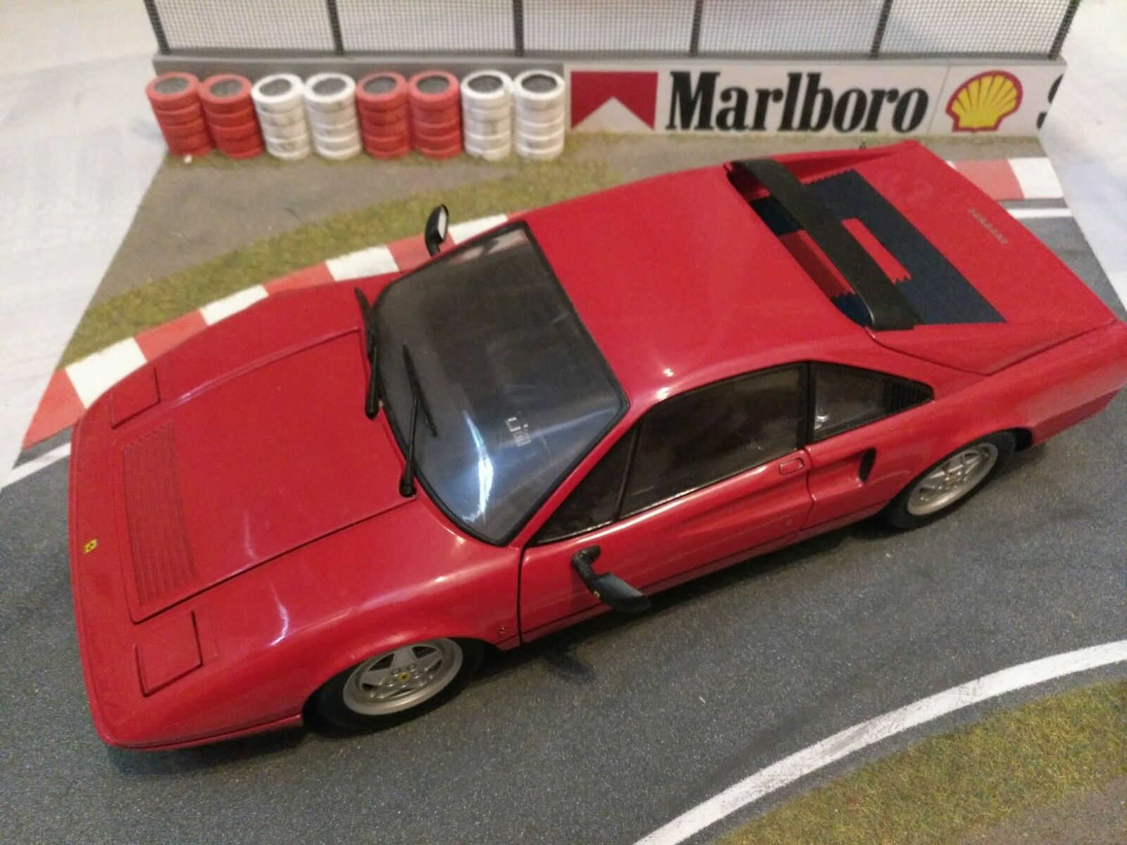 Ferrari 1 18 kyosho 308 328 red