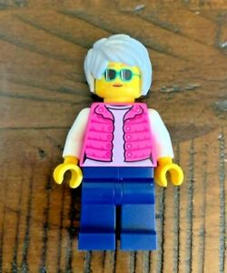Lego City Outdoor Adventures Female Parent Hiker Minifigure 60202