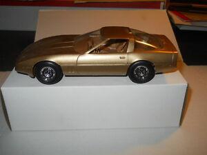 1986-CHEVROLET-CORVETTE-GOLD-DEALERSHIP-PROMO-CAR-MODEL-IN-ORIGINAL-BOX