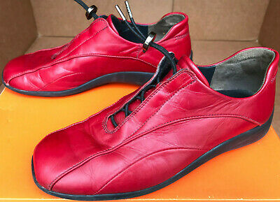 Paul Green Munchen Red Leather Bungee