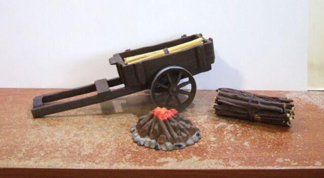 """Fontanini Nativity Collection 5"""" Scale Campfire Accessory Set #51049 NIB (F1)"""