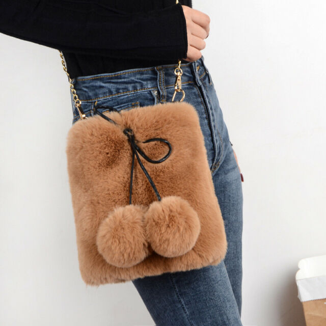 Damen Kunstpelz Schulter Kette Handtasche Tasche Fell Flauschig Pom Pom Süß