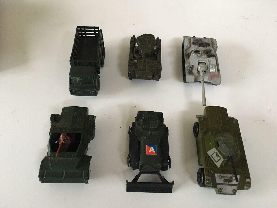 6 Vintage tanks
