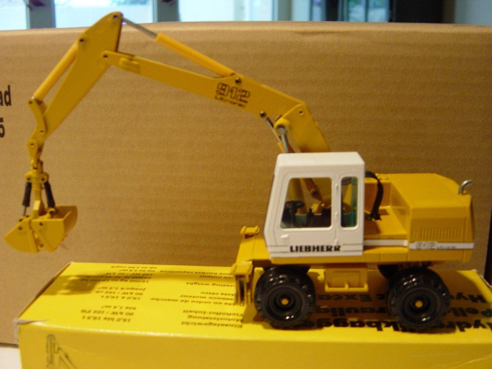 CONRAD A912 Excavator and CS653 Compactor Compactor Compactor MIB 2 Piece Set 052415