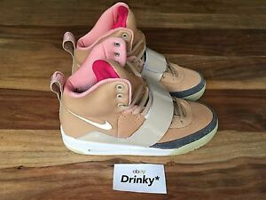 59c9a5f4dcbf Nike AIR YEEZY 1 NET TAN 9US DS 366164-111 II Red October Zen