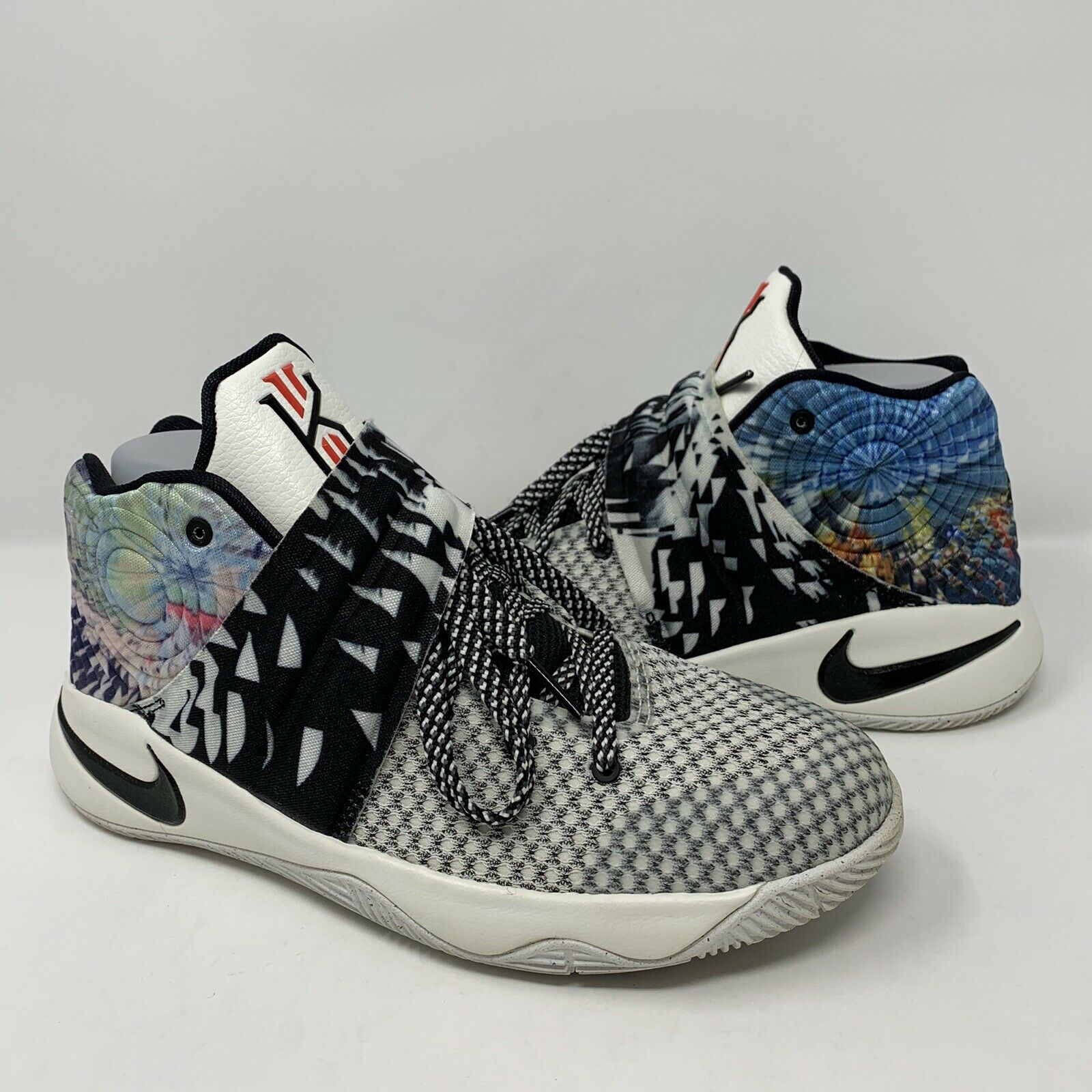 Panadería Tratar episodio  Nike Kyrie 2 GS The Effect Multi Color Black 826673-901 Sz 5.5y for sale  online | eBay