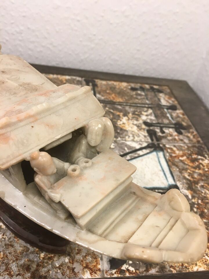 Skrivemaskine, Kinesisk skip skåret i fedtsten