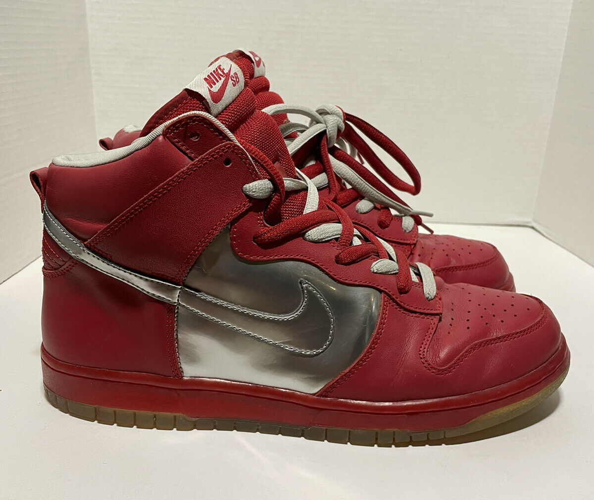 2006 Nike Mork And Mindy SB Dunk High Red/silver … - image 1