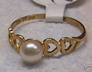 June-Birthstone-Pearl-Yellow-Gold-Ring-253