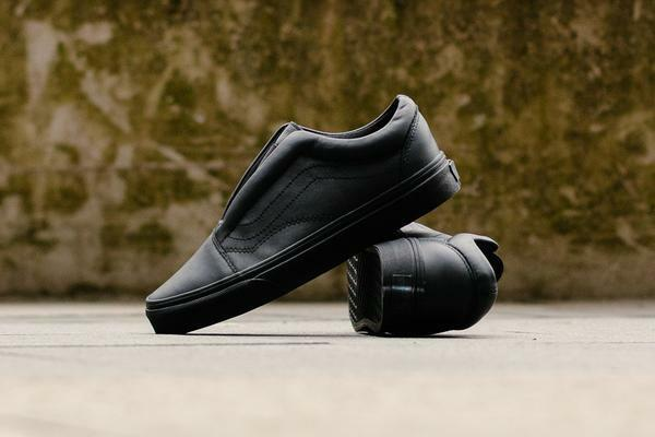 Vans Old Skool Laceless Leather  noir  femmes Chaussures  9