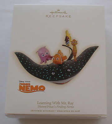 Hallmark 2009 Disney Pixar Finding Nemo Learning with Mr Ray Christmas Ornament