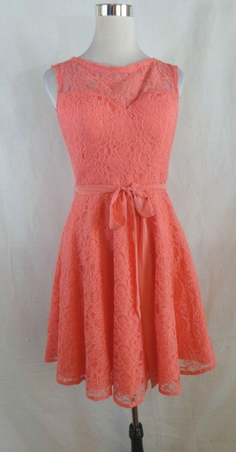 MoriLee by Madeline Gardner Coral Lace Overlay Fitted Prom Pageant Dress Size 10