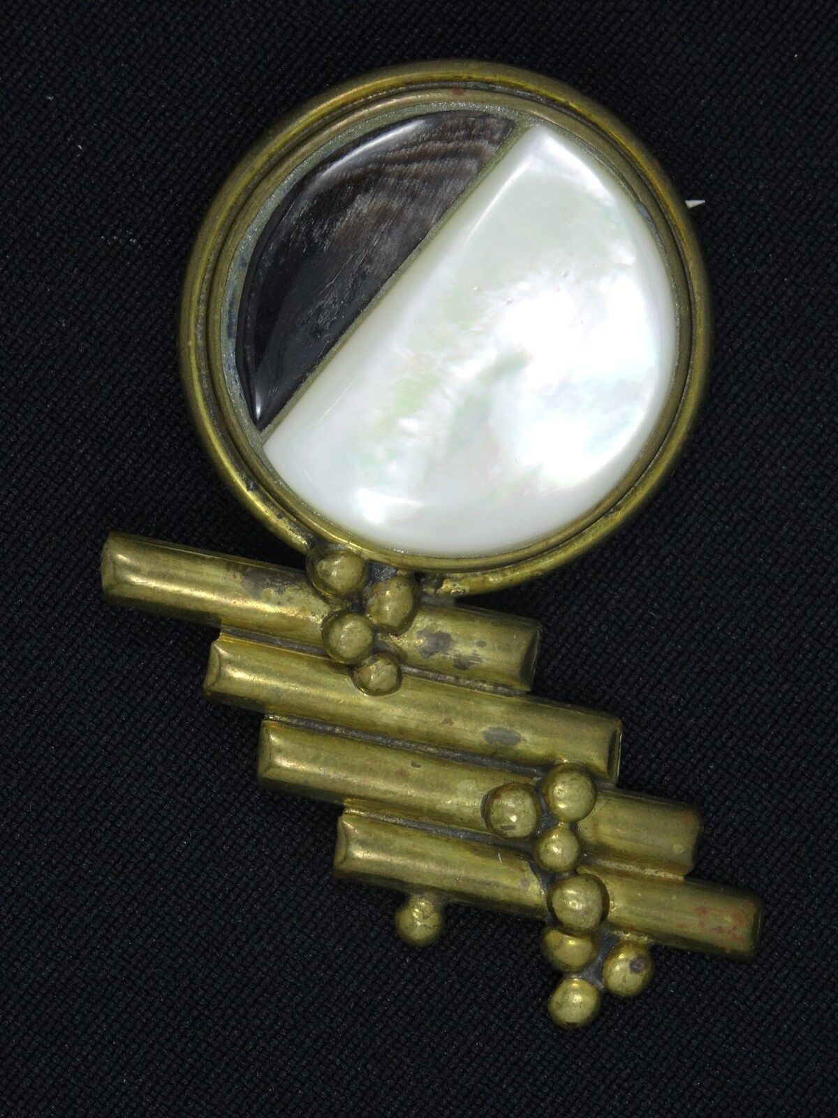 VTG 50's BRUTALIST DESIGN MOTHER of PEARL and AGATE ASYMMETRY PIN BROOCH  2.5