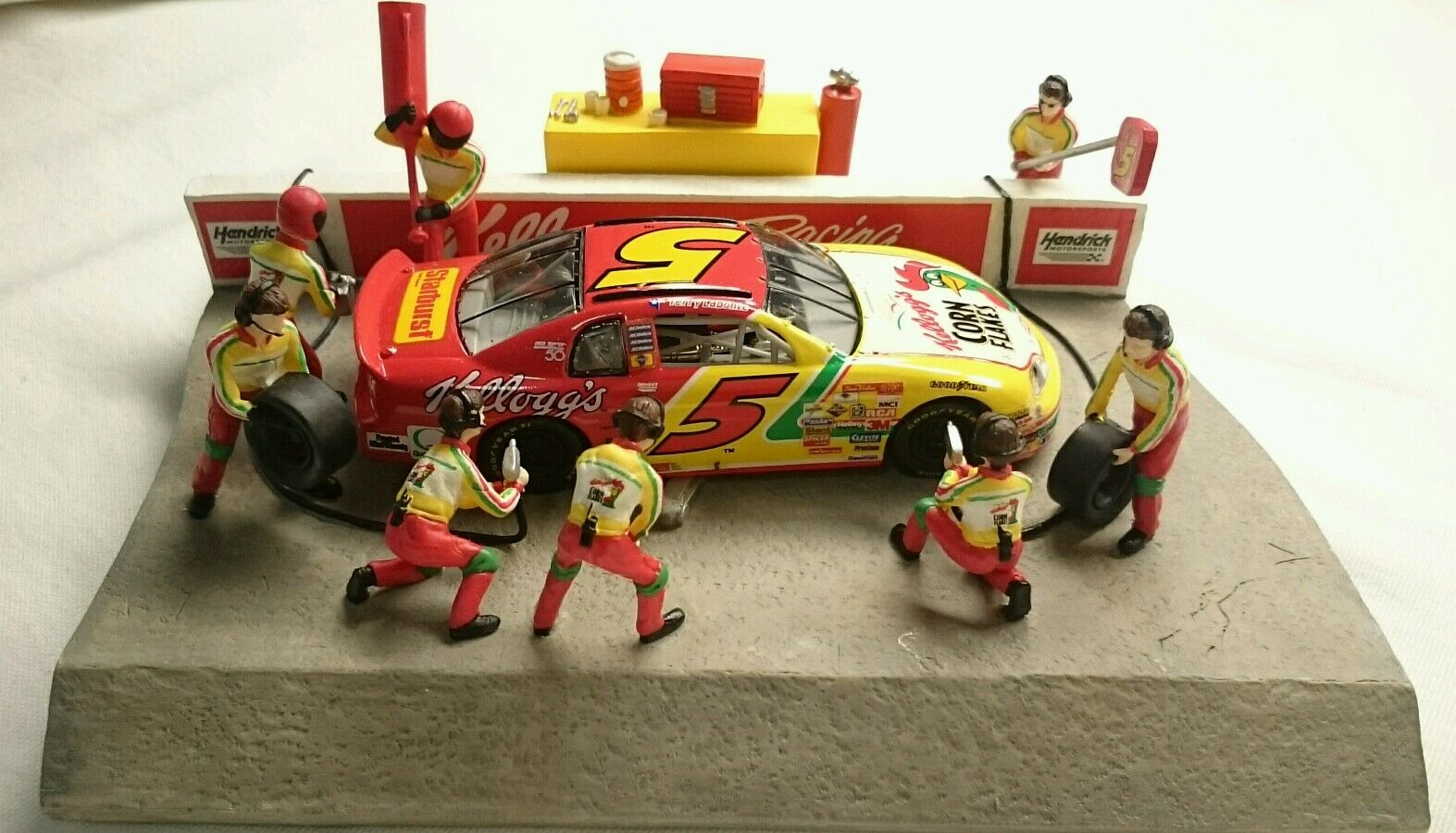 ERTL COLLECTIBLES AMERICAN MUSCLE RACING SERIES KELLOGG'S PIT STOP STOP STOP SCENE bad1a8